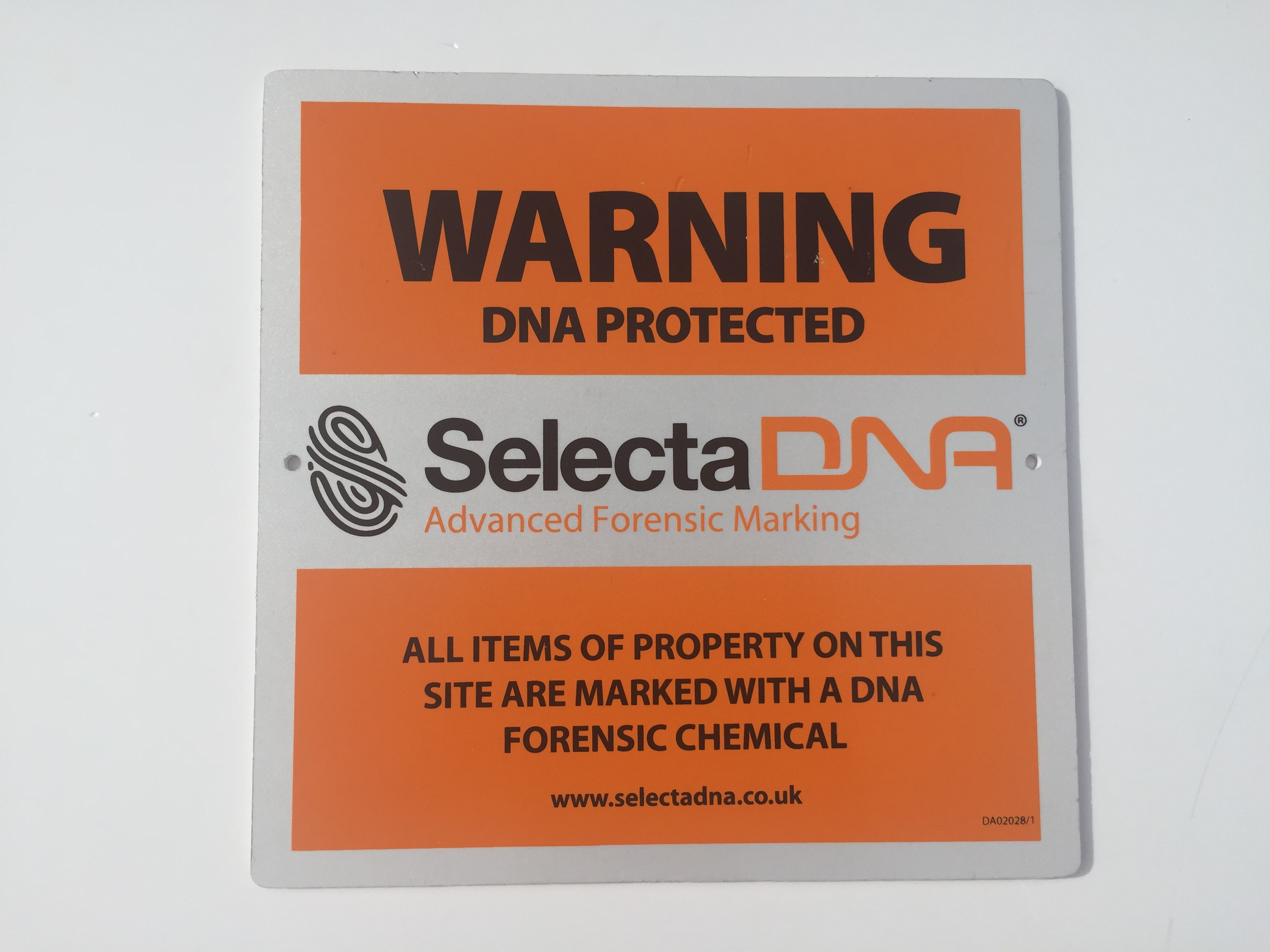 SelectaDNA Outdoor Warning Sign (Orange 30x30cm)
