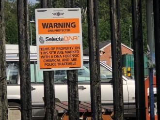 SelectaDNA Outdoor Warning Sign (Orange 40x30cm) thumbnail